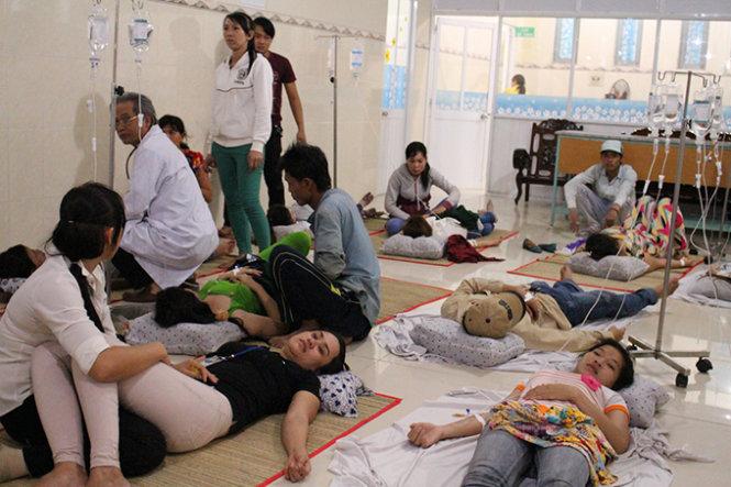 Hầu hết công nhân nhập viện cấp cứu nghi do bị ngộ độc thực phẩm ở Bình Dương đã được xuất viện