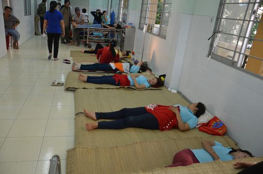 Trước đó hơn 1 tháng, ở Tiền Giang cũng từng xảy ra một vụ công nhân ngộ độc thực phẩm tập thể