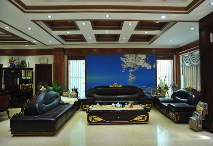 Căn nhà của gia đình Bích Ngọc với đồ nội thất sang trọng, độc và lạ