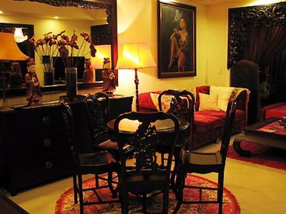 Phòng khách của 'đả nữ' giúp người ta liên tưởng đến không gian thần thánh, huyền bí