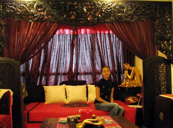 Ngô Thanh Vân và ngôi nhà với gam màu đen, đỏ là chủ đạo