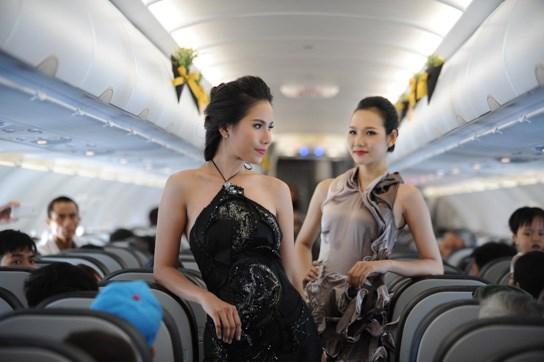 Đây là lần đầu tiên Việt Nam có một show diễn thời trang trên máy bay