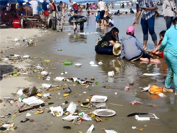 Đà Nẵng: Xả rác trên bãi biển bị phạt bao nhiêu tiền?