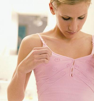 Chuyên gia lý giải tại sao ngày càng nhiều thiếu nữ thành thị bị ngực lép