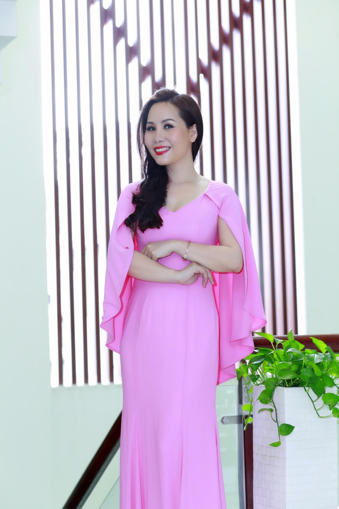 Khám phá gu thời trang của Kim Chi - Nữ hoàng doanh nhân 2015