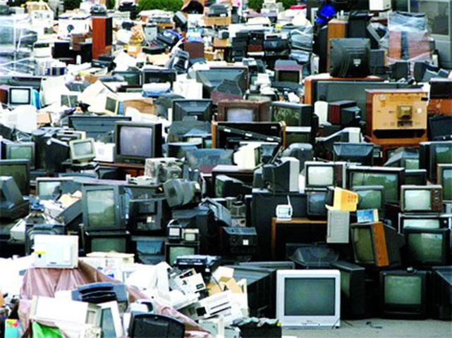 Sắp có quyết định thu hồi máy giặt, điều hòa, ti vi cũ hỏng để xử lý