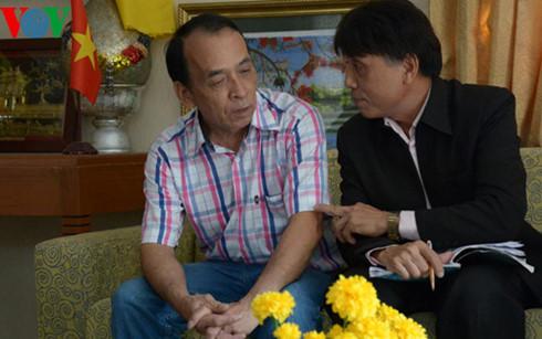 Ông Nguyễn Ngọc Hán (trái) và ông Nguyễn Bá Hùng tin tưởng vào thành công của Đại hội Đảng lần thứ 12