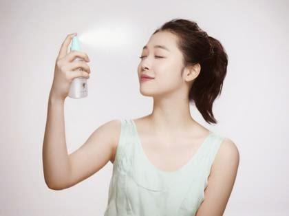 Các sản phẩm như bình xịt khoáng dưỡng da, keo xịt tóc có thể gây hen suyễn, dị ứng