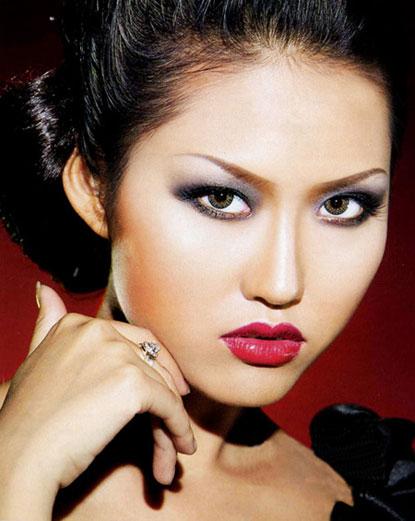 Tiếp đến là Phi Thanh Vân - Người mẫu, diễn viên nổi tiếng ''lẳng lơ''