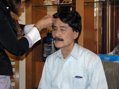 Nghệ sĩ Phạm Bằng trước giờ vào diễn