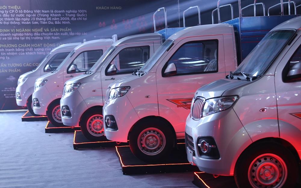 Theo các chuyên gia, năm 2018 thị phần ô tô - xe tải nhẹ sẽ có cuộc cạnh tranh khốc liệt. Ảnh: T. Đ