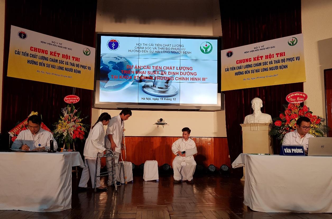 Nhiều khoa phòng của Bệnh viện Hữu nghị Việt Đức đã áp dụng các phương pháp cải tiến năng suất, nâng cao chất lượng phục vụ. Ảnh: VNPI