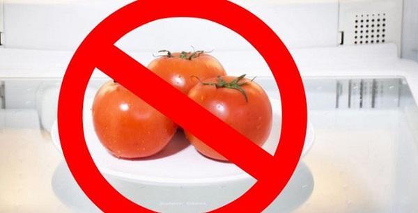 Trữ cà chua trong tủ lạnh làm mất đi chất dinh dưỡng và hương vị của quả.