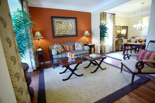 Nội thất trong nhà đều đơn giản, mang phong cách châu Á