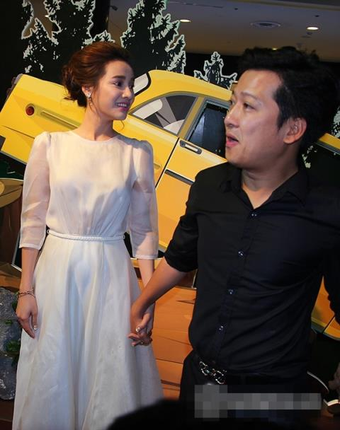 Nhã Phương đưa em gái 'tiến thẳng' showbiz Việt