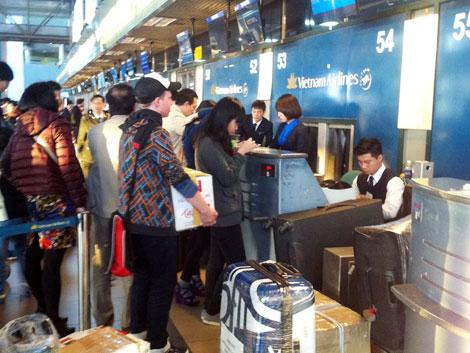 Khu vực làm thủ tục lên máy bay và ký gửi hành lý tại sân bay Nội Bài