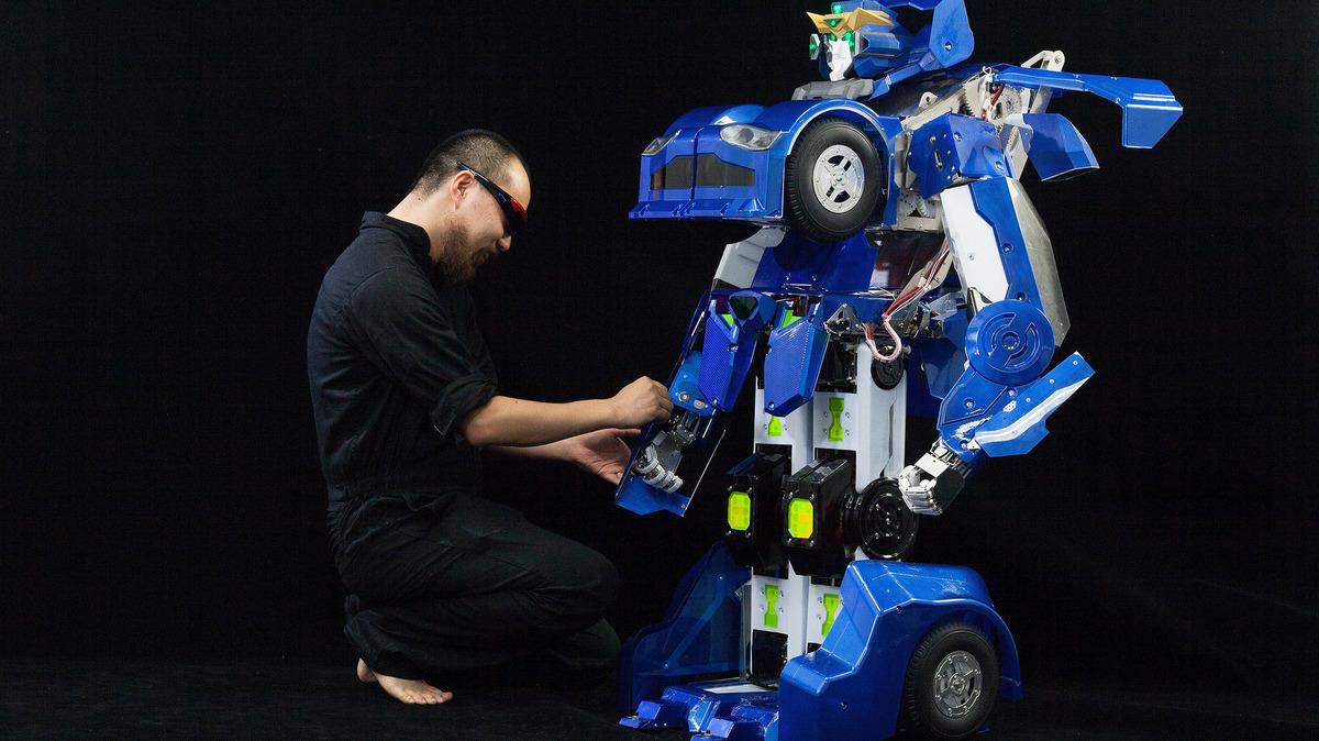 Nhật Bản ra mắt robot biến hình giống Transformers