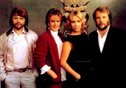 Happy New Year của ban nhạc ABBA là một trong những ca khúc giao thừa nổi tiếng nhất
