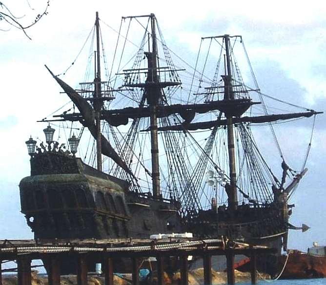 Bel Amica được tìm thấy trên bờ biển đảo Sardinia vào ngày 24/8/2006. Lực lượng tuần tra bờ biển của Italy không tìm thấy bất cứ thủy thủ hay hành khách nào. Trên tàu có một bữa ăn toàn đồ Ai Cập còn dở dang, những bản đồ tiếng Pháp về vùng biển Bắc Phi, một chồng quần áo và một lá cờ của Luxembourg.