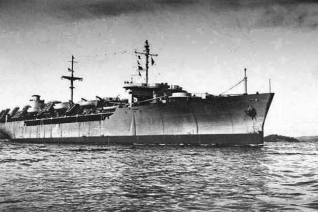 Năm 1947, một số trạm radar của Anh đặt tại Singapore và đảo Sumatra, Indonesia nhận được tín hiệu kêu cứu từ tàu chở hàng Ourang Medan của Hà Lan với nội dung: 'SOS... SOS tất cả đã chết... tôi là người duy nhất còn sống sót'. Một lát sau tín hiệu được nối lại, nhưng chỉ có một câu duy nhất: 'Tôi sắp chết rồi', và kết thúc trong im lặng.