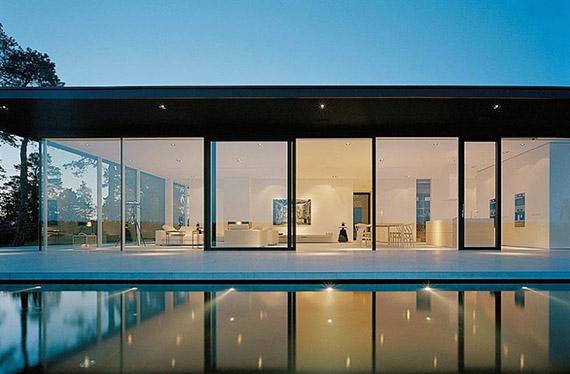 Overby House – ngôi nhà mùa hè hiện đại tuyệt đẹp thiết kế bởi John Robert Nilsson- được chọn làm nơi ở của Martin Vanger trong phim Cô gái có hình xăm rồng