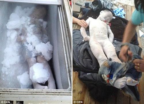 Bố mẹ giữ xác chết con trong tủ lạnh vì quá đau buồn