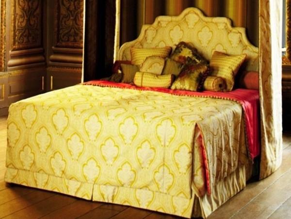 Chiếc giường hoàng gia được đặt làm trong 3 tháng với hạn bảo hành 25 năm của đại gia Lê Ân