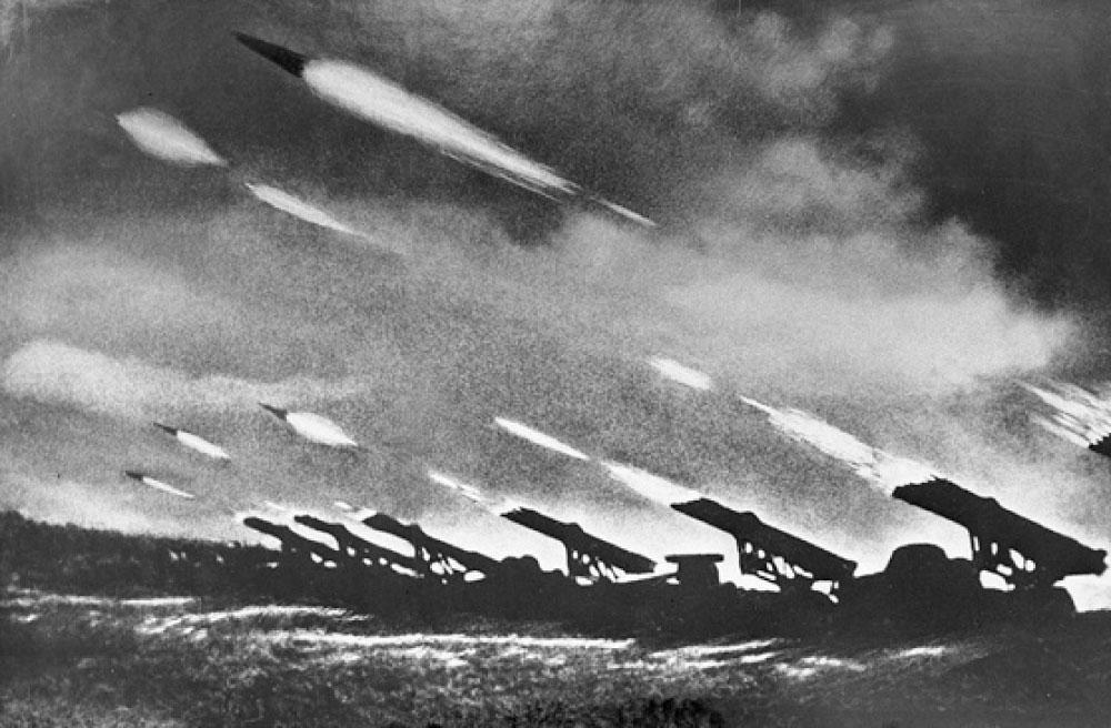 Hỏa lực của dàn pháo này bao trùm một khu vực có diện tích khoảng 40.000km2 với 4,35 tấn thuốc nổ trong vòng 7-10 giây. Sau đó, Đức đã phát triển dàn phóng tên lửa Nebelwerfer của riêng mình mà lính Mỹ gọi là 'Screaming Mimi'.