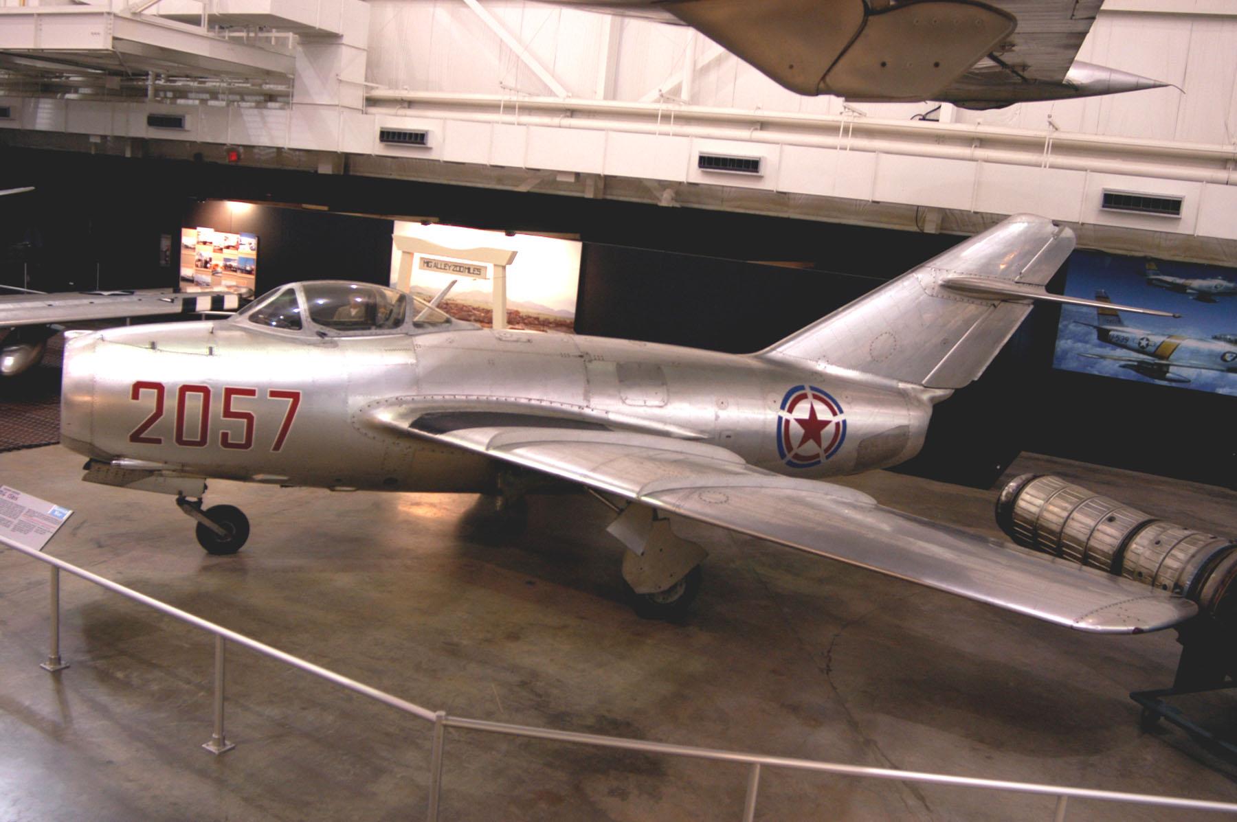 Các phi công Mỹ thường quen chiếm ưu thế trên không trong những năm cuối cùng của Chiến tranh Thế giới thứ 2, nhưng sự xuất hiện của Mig-15 trên bầu trời của CHDCND Triều Tiên thực sự là một cú sốc đối với họ. Trong thực tế, Mig-15 nguy hiểm đến mức mà máy bay hộ tống hạng nặng B-29 của Mỹ đã phải chuyển các cuộc tấn công nhằm vào Triều Tiên từ ban ngày sang ban đêm.