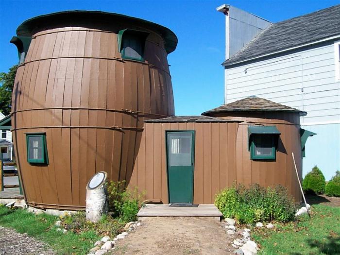 Nhà thùng dưa ở Michigan, Mỹ thuộc sở hữu của họa sĩ truyện tranh William Donahey