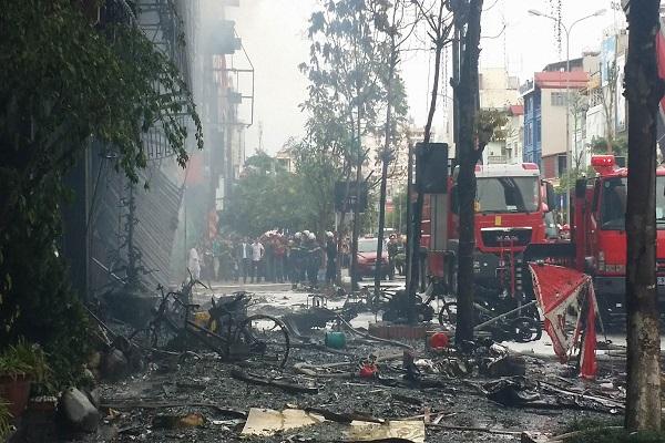 Cháy lớn ở Trần Thái Tông: Những hình ảnh mới nhất từ hiện trường