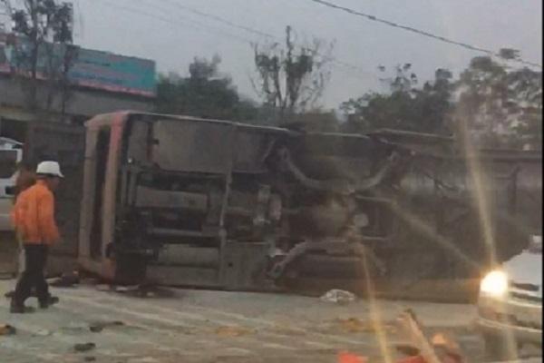 Vụ xe khách bị lật ở Nghệ An: Là xe tăng cường dịp Tết Nguyên đán nhưng chưa được chạy