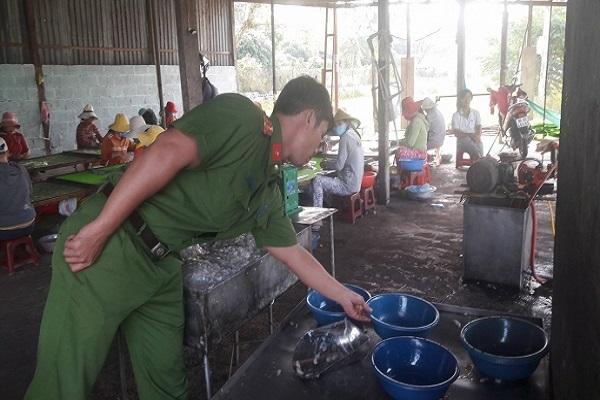 Sử dụng hóa chất không rõ nguồn gốc trong chế biến thực phẩm phạt thế nào?