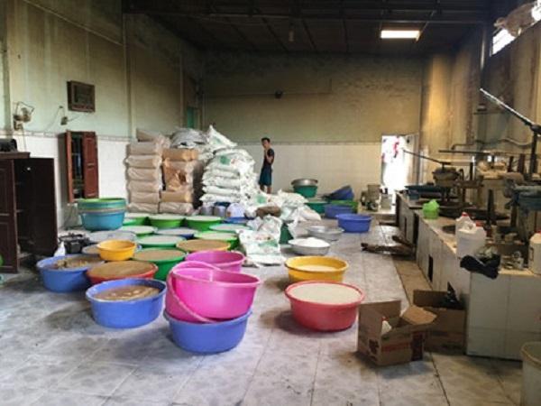 Sử dụng phụ gia chứa chất độc hại trong sản xuất thực phẩm sẽ bị xử phạt thế nào?