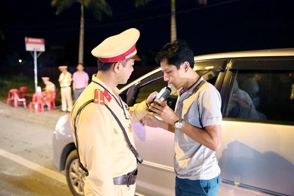 Các mức phạt về nồng độ cồn khi điều khiển ô tô