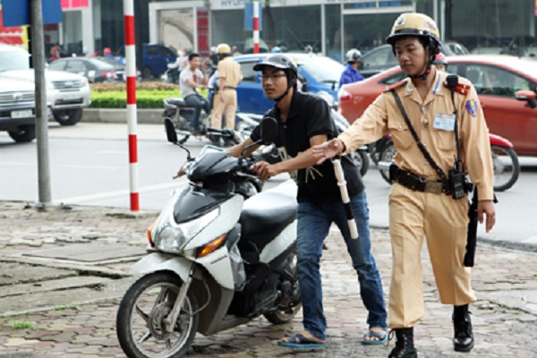 Bị mất giấy phép lái xe, khi cảnh sát giao thông kiểm tra có bị phạt không?