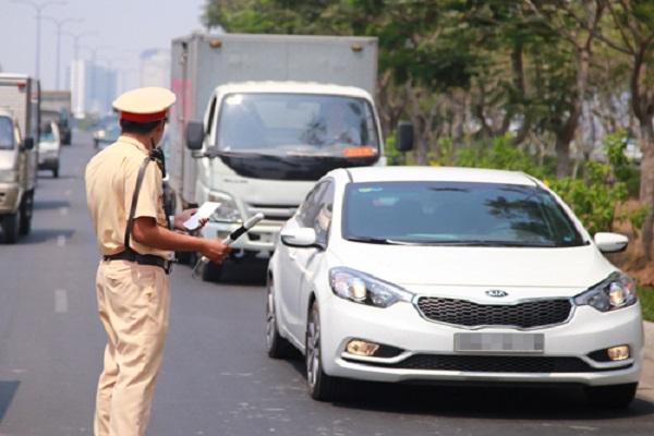 Tài xế ô tô vi phạm hành vi nào sẽ bị tước GPLX từ 3 đến 5 tháng?