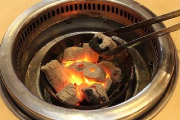 Bài học 'nhãn tiền' về sưởi bằng than củi nhưng vẫn có thêm 6 người bị ngộ độc