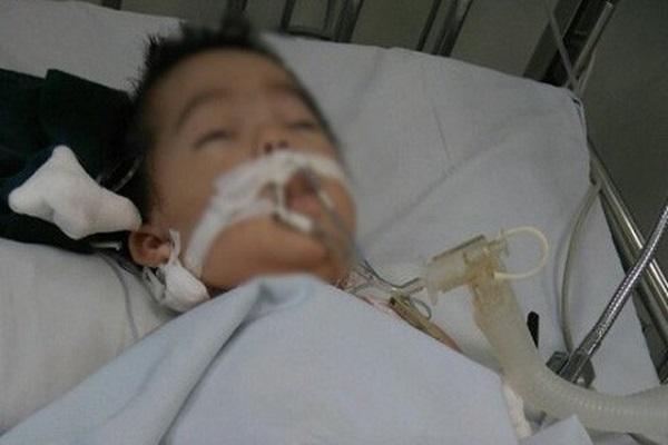 Vụ bé 8 tháng tuổi bị tiêm nhầm thuốc: Luật sư nói gì?