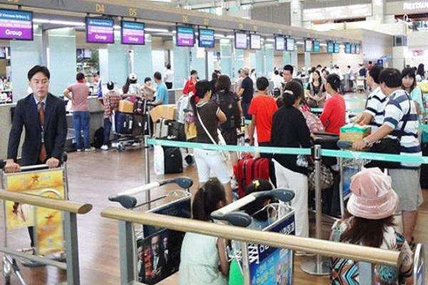 Đi máy bay dịp Tết 2018 tại Cảng HKQT Tân Sơn Nhất cần chú ý điều này để tránh chậm trễ