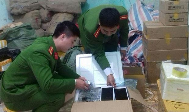 Phát hiện lô tivi, điện thoại 'xịn' nhập lậu từ Trung Quốc theo đường mòn