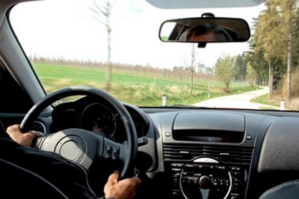 'Bắt bệnh' khi vô lăng ô tô bị rung lắc tránh những tai nạn cực nguy hiểm