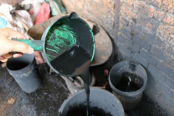 Những hình ảnh đáng sợ của cơ sở sản xuất cà phê trộn lõi pin