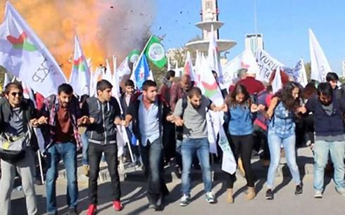 Giây phút quả bom phát nổ ở Ankara, Thổ Nhĩ Kỳ.