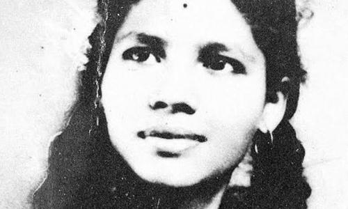 Bà Aruna Shanbaug bị hiếp dâm khi mới 25 tuổi và sống thực vật suốt 42 năm