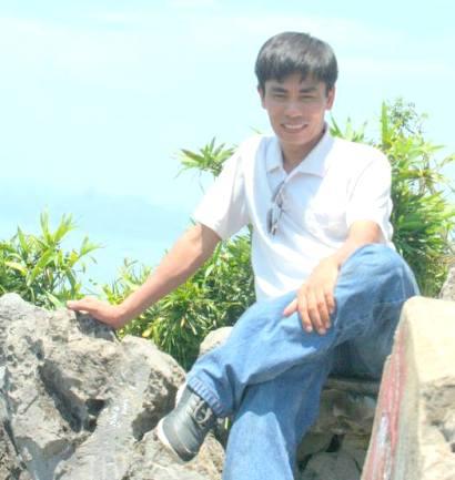 chụp ảnh trên núi Bài Thơ