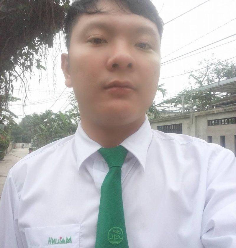 Linh cảm không lành của Oanh đã thành sự thật khi đến khu vực vắng người, Tiến bất ngờ dừng xe và bóp cổ hành khách 23 tuổi, mục đích cướp túi xách trong có điện thoại và 250.000 đồng và một số giấy tờ tùy thân của nạn nhân. Ảnh VietNamNet
