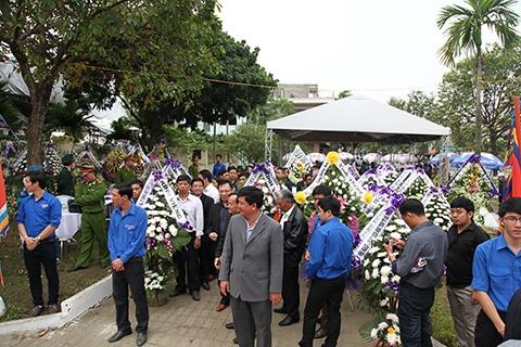 Theo nguyện vọng của gia đình, ông Nguyễn Bá Thanh sẽ được an táng tại nghĩa trang gia tộc ở thôn Dương Sơn (xã Hòa Tiến, huyện Hòa Vang, TP Đà Nẵng), nằm cạnh Nghĩa trang liệt sĩ xã Hòa Tiến là nơi đang chôn cất cha của ông – Anh hùng lực lượng vũ trang nhân dân Nguyễn Bá Tùng
