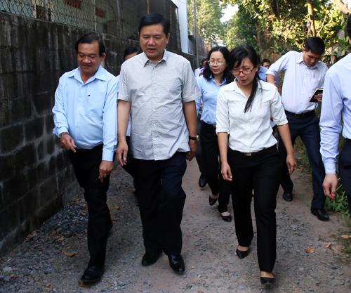 Bí thư Thành ủy Đinh La Thăng tới làm việc với huyện Củ Chi