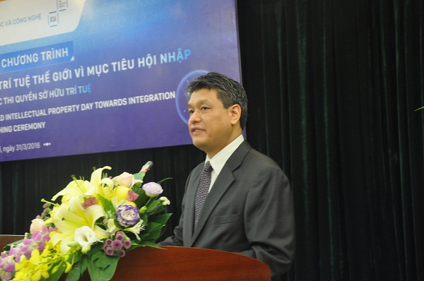 Ông Roland Chan